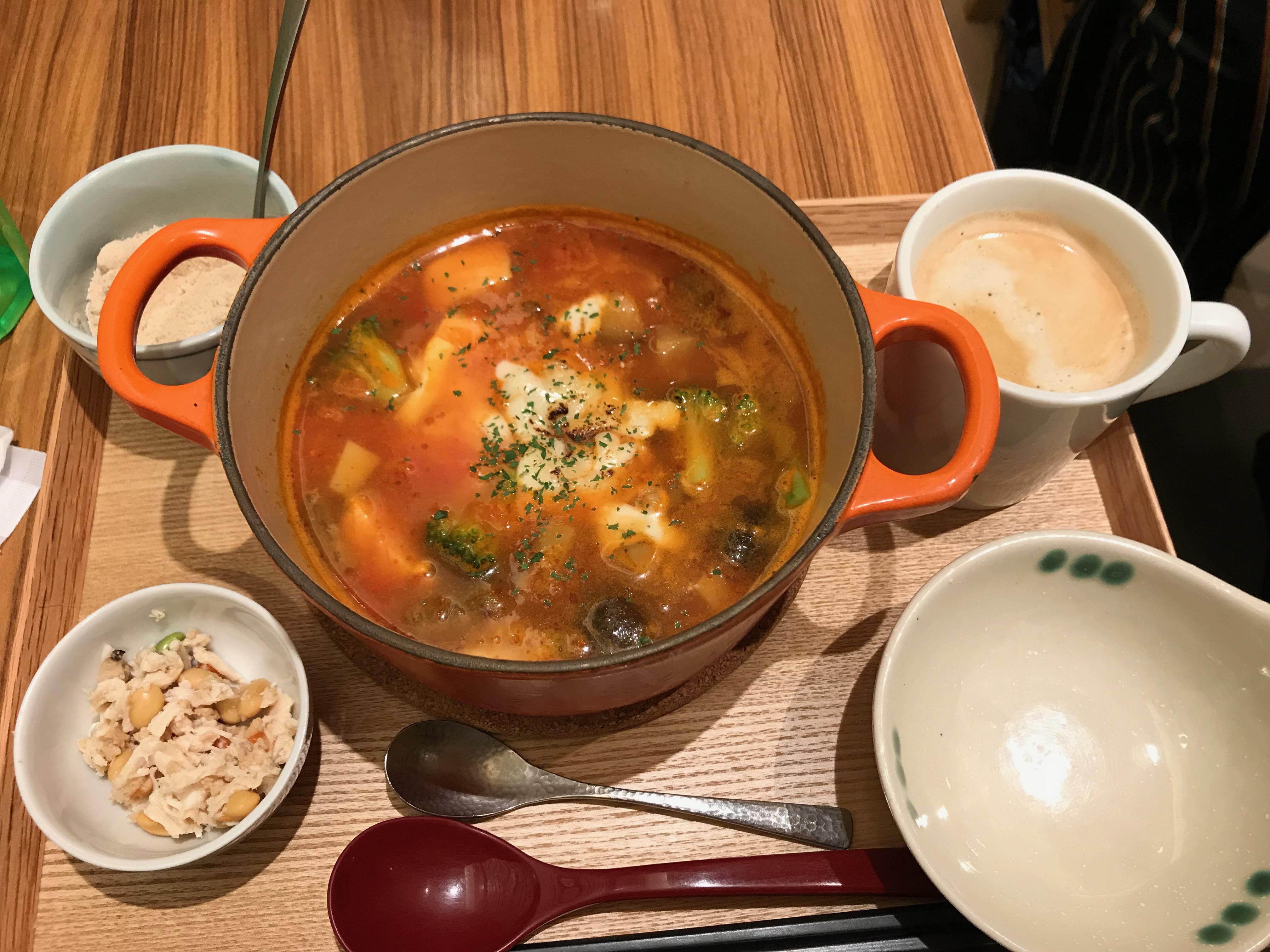 茶鍋トマト鍋